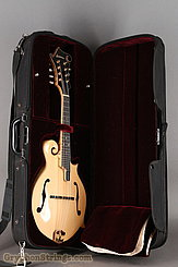 2014 Eastman Mandolin MD915 Image 31
