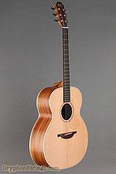 Lowden Guitar O-22 Red Cedar/Mahogany NEW Image 2