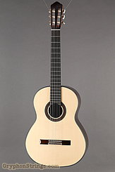 New World  Guitar Player P650, Solid Spruce top NEW