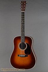 Martin Guitar D-28 Ambertone NEW