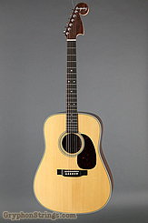 Martin Guitar D-28 Bigsby NEW