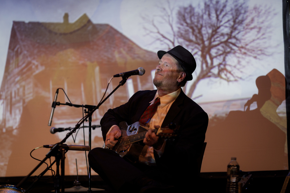 4/27/2019 - Pete Madesn-Fingerpicking the Blues