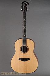 Taylor Guitar 517e, V-Class, Builders Edition NEW