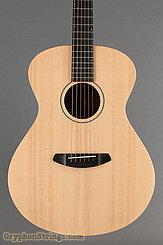 Breedlove Guitar USA Concert Sun Light E Image 8
