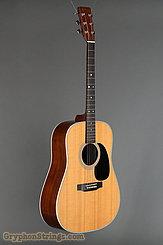 2004 Martin Guitar D-28 Image 2