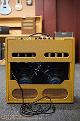 c. 2005 Victoria Amplifier 35310 Tweed Image 2