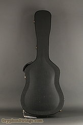 2001 Martin Guitar HD-28V Image 14