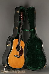 2001 Martin Guitar HD-28V Image 15