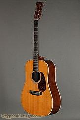 2001 Martin Guitar HD-28V Image 6