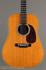 2001 Martin Guitar HD-28V Image 8
