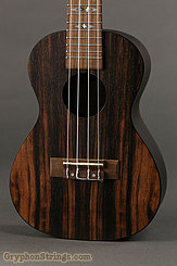 Flight Ukulele DUC 460 CEQ Concert NEW