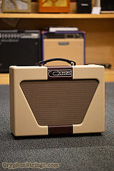 "Carr Amplifier Super Bee,Two-tone, Wine/Cream/Wine, 1-10"" NEW"
