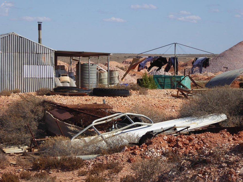 Coober Pedy washing.jpg