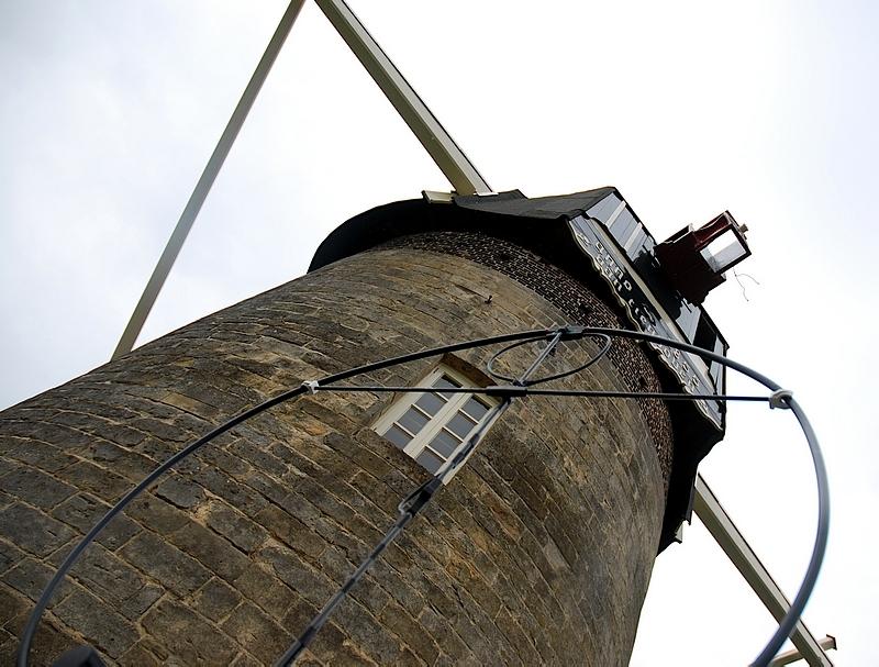 PA6TIEN Van Tienhovenmolen HF Loop antenna