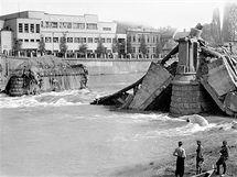 Most z roku 1945