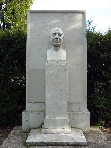 Dr.-Fritz-Opel-Denkmal