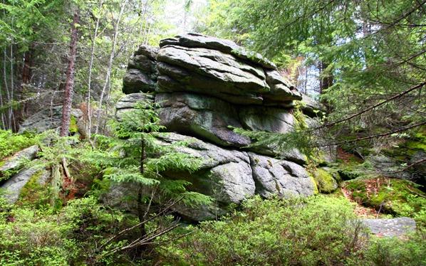 Jedna z vrcholových skal