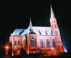 Kostel v Ludgerovicich na nedalekem Hlucinsku