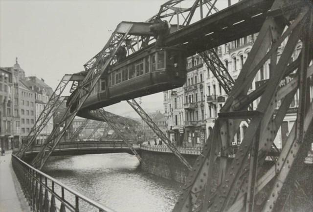 Kaiserwagen an der Schloßbleiche um 1940