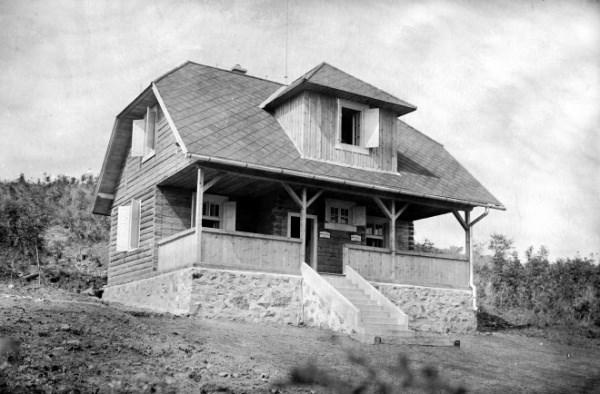Chata pod Inovcom 30 roky minulého storočia