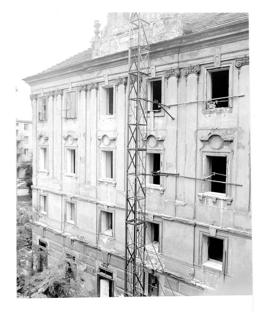 Fasada pred rekonstrukci