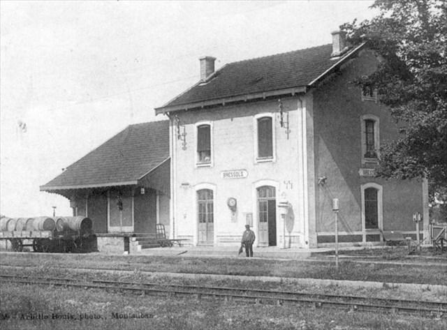 Gare de Bressols