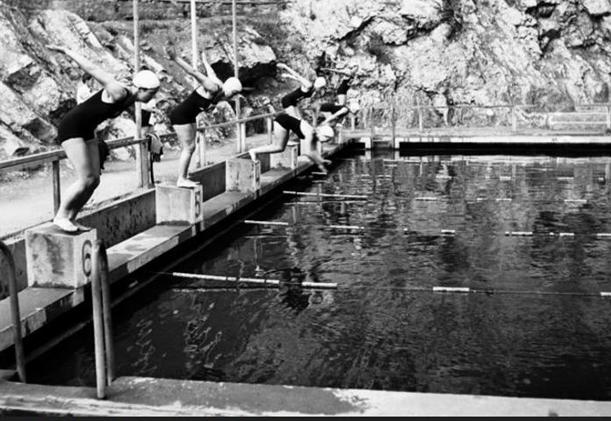 První závody 1930