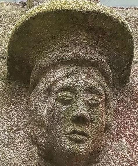 visage de pierre