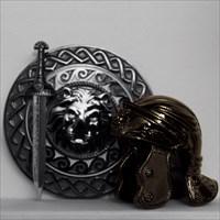 schwarzer Helm