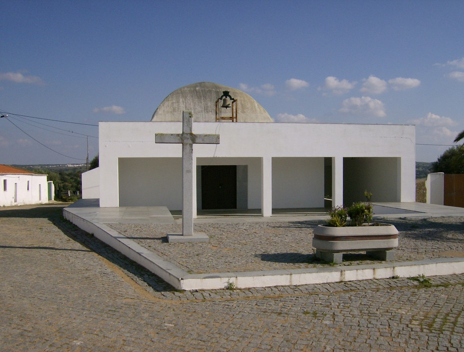 Igreja Nova - Albergaria dos Fusos