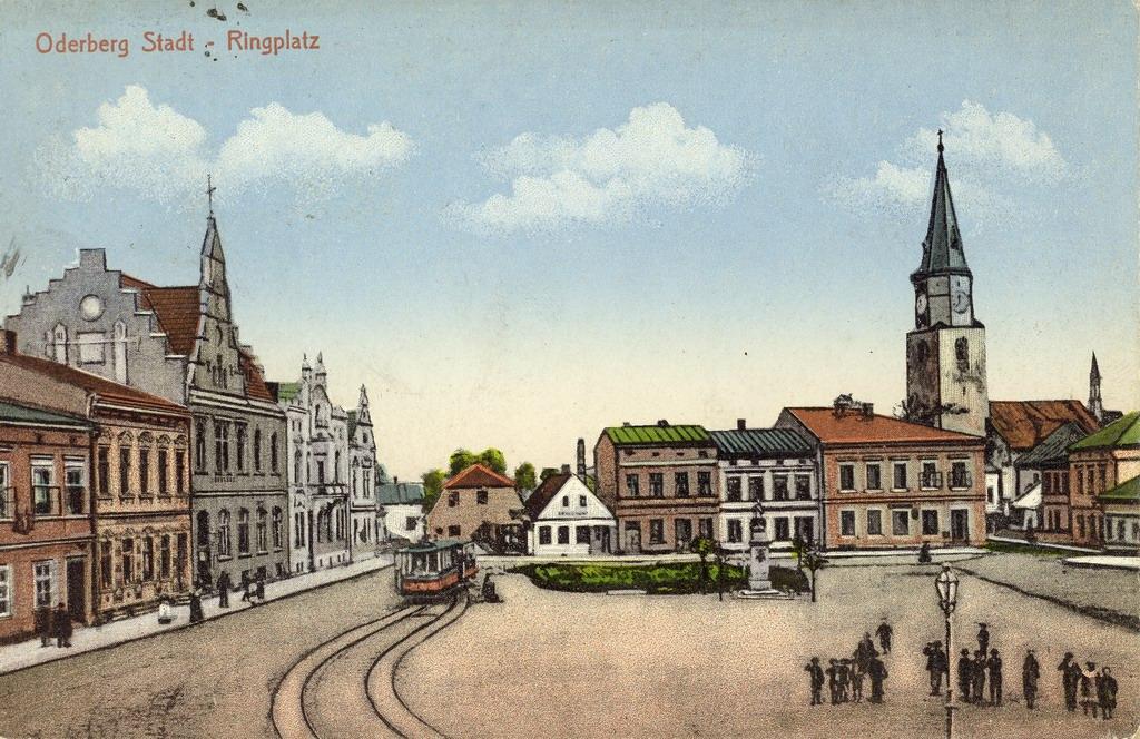 Namesti ve Starem Bohumine - v době kdy tady jezdily tramvaje, okolo roku 1900