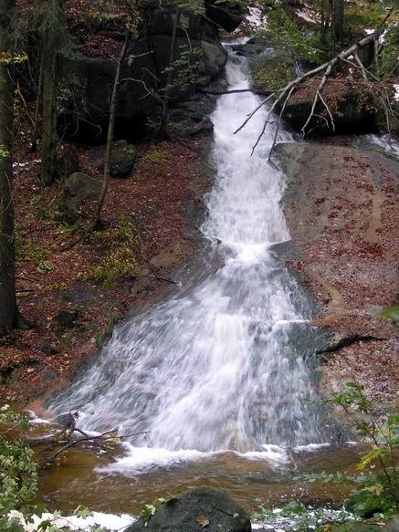 vodopád pred povodní