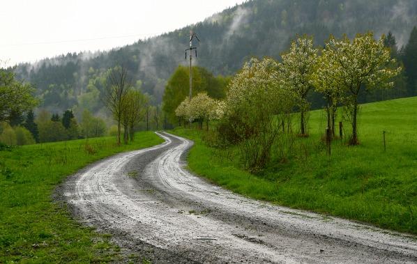 Cesta k Polihofu a Zadním Paštím