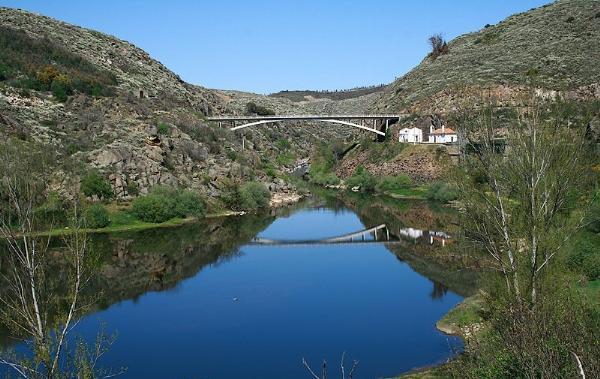 Abreiro bridge, Tua river (1953-57)