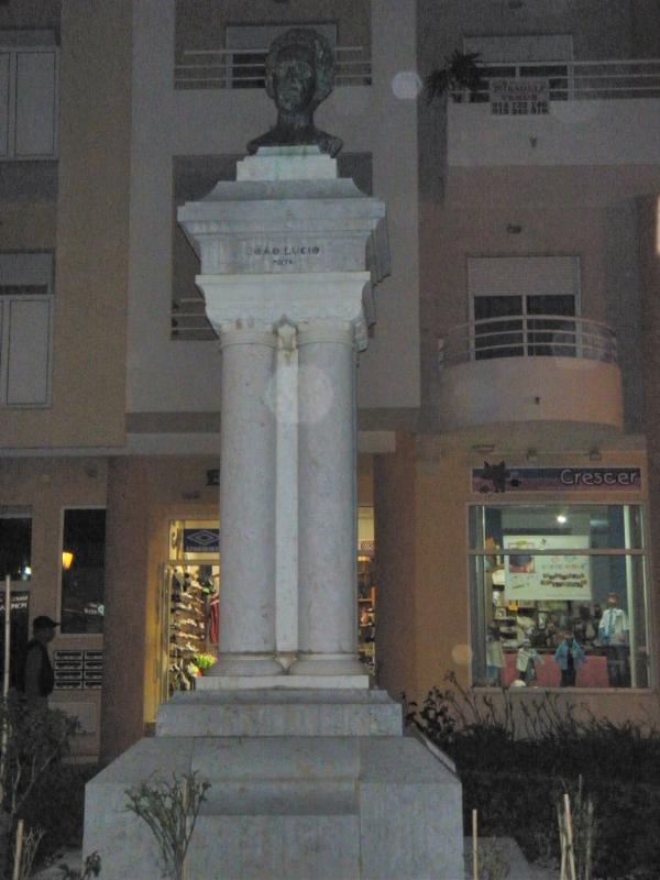 Estátua do Poeta João Lúcio