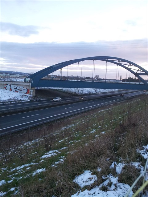 Eisenbahnbrücke über die A39