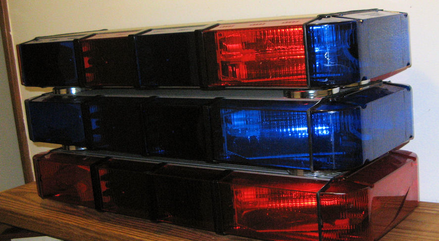 Fs whelen mini edge police light bars 3ea the radioreference all three light bars are in good condition although several lenses scratched and one or two are cracked but you wont be using these anyway aloadofball Gallery