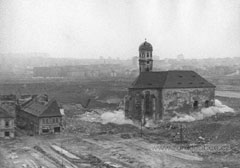 Demolice piaristickeho kostela
