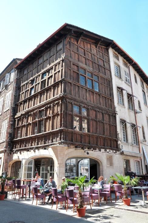 Gc46j14 maison de bois traditional cache in bourgogne - La maison de bois macon ...