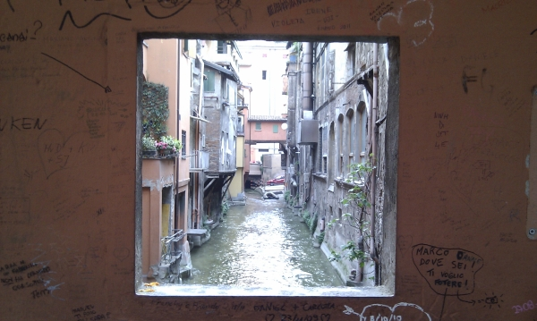 Gc2tt9w la venezia nascosta traditional cache in emilia romagna italy created by geomafioso - Bologna finestra sul canale ...