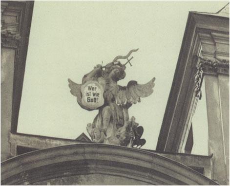 Sv. Michael archandel nad prucelím kostela