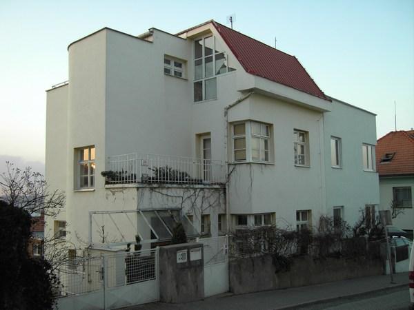 Príkladem kvalitního bydlení je i tato vila v Tumove ulici