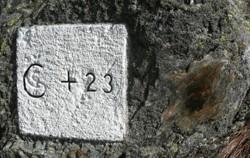 Hraniční kámen 23C a Kámen doteku
