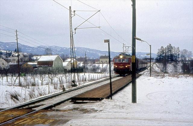 Kjellstad stoppested;