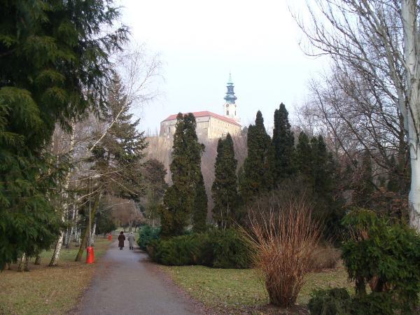 Pohlad na hrad z parku