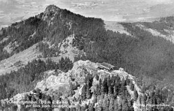 Pohlednice s leteckým záběrem na oba Ostré