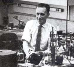 Russell S. Ohl v laboratoři