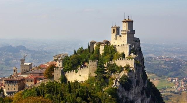 The fortress of Città di San Marino (CC BY-SA 3.0 - Max_Ryazanov, own work)