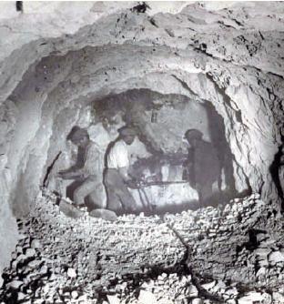 Abertura de uma galeria na mina