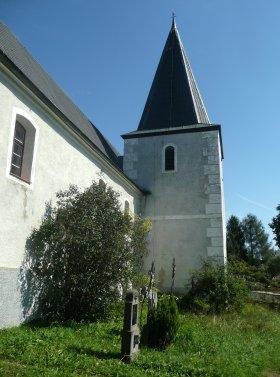 Věž a hřbitov